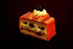 Marsepein crème gebak - Bakeronline