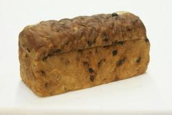 Rozijnenbrood met spijs - Bakeronline